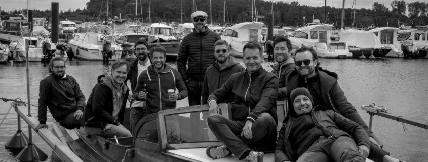 Motoryacht mit Mannschaft