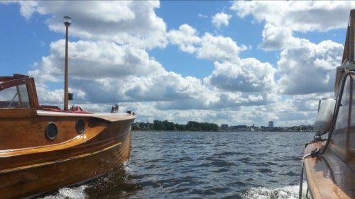 ARONA beim ersten Einlaufen in den Rostocker Stadthafen