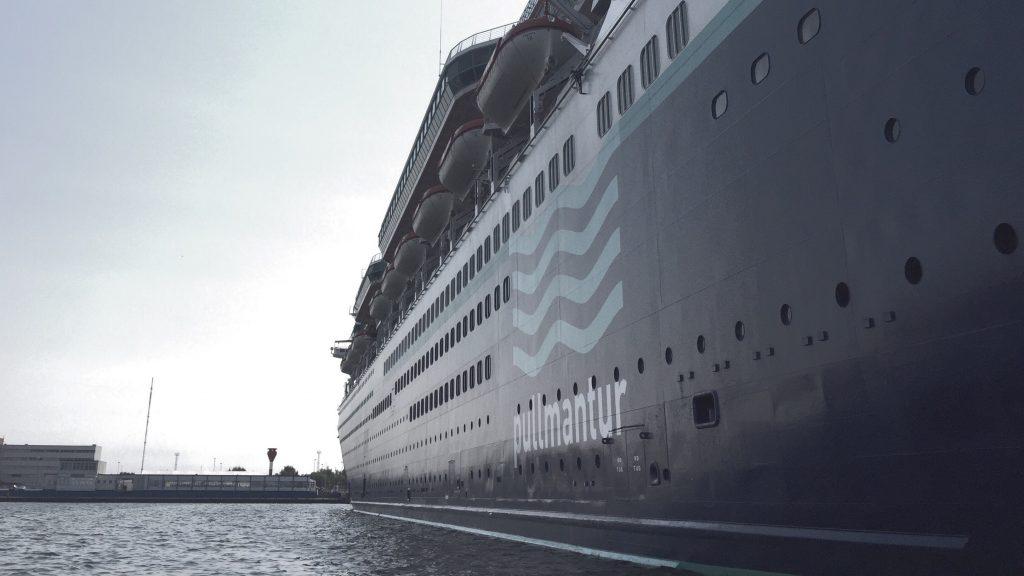 Kreuzfahrtschiffe im Überseehafen