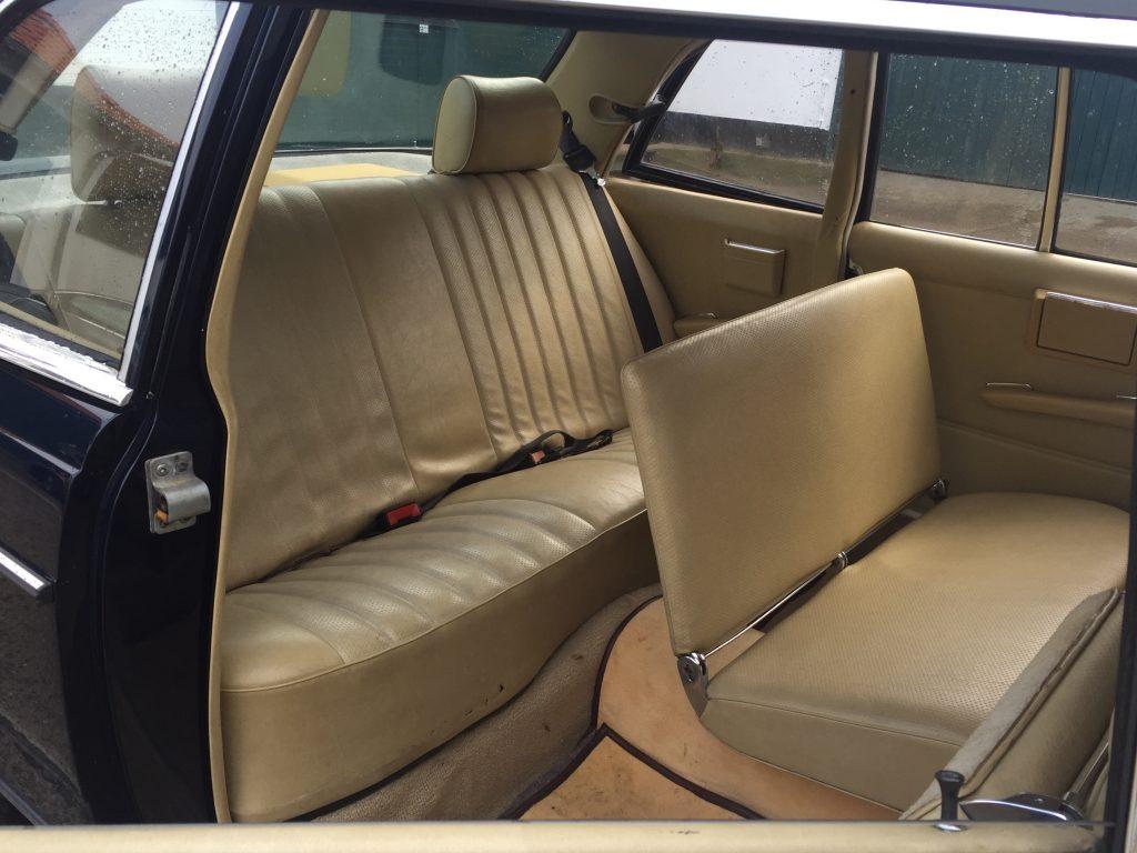 Mercedes Fond mit klappbarer Sitzbank